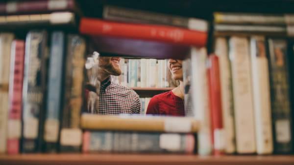 Окно из книг
