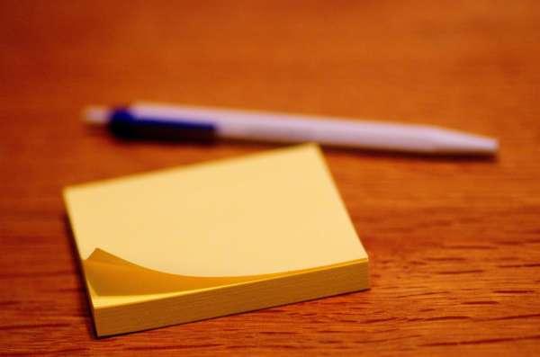 Стикер и ручка
