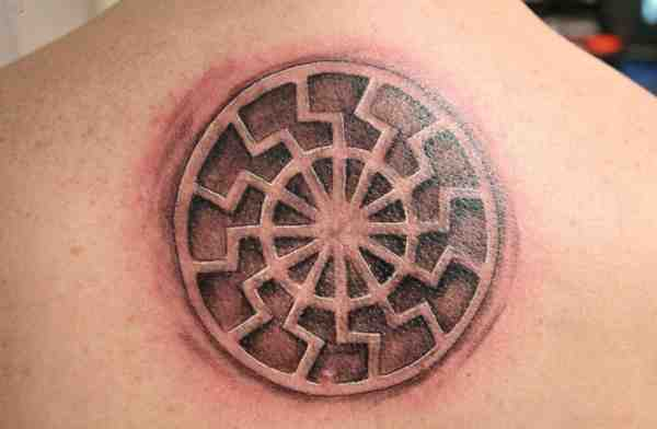 черное солнце татуировка
