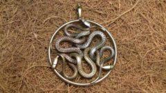 амулет змеевик