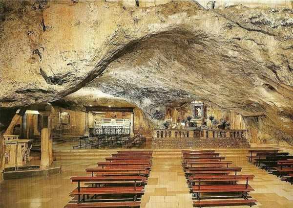 Церковь Монте-Сант-Анджело