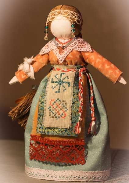 кукла-оберег с символом звезды лады
