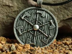 Обереги Перуна – кому можно носить атрибуты славянского бога