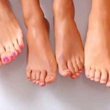 К чему чешется правая или левая нога: все значения приметы